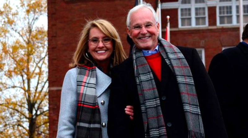 Ron Travis and Laura Travis